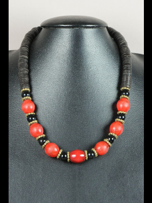 "Necklace with African coconut shell heishi disk beads and ""Ethiopian"" glass beads"