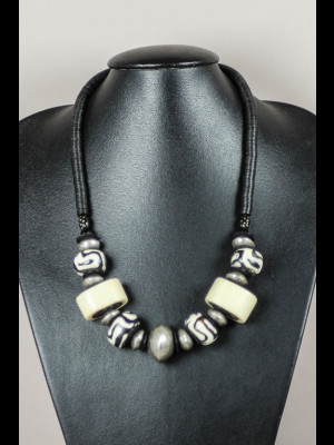 Necklace with bakelite heishi disk and bone beads