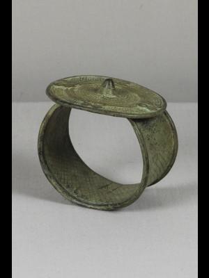 Arm bracelet in bronze